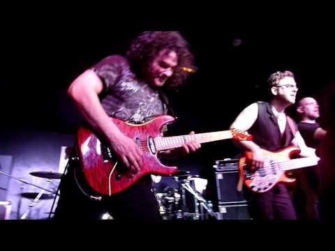 Vinnie Moore - Meltdown (Las Palmas de Gran Canaria - España - 19-02-2010).avi